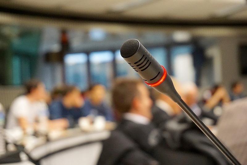 Mikrofon, základ tlumočení