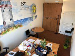 Tady je naše království. Kancelář v Chronos Business Centre.